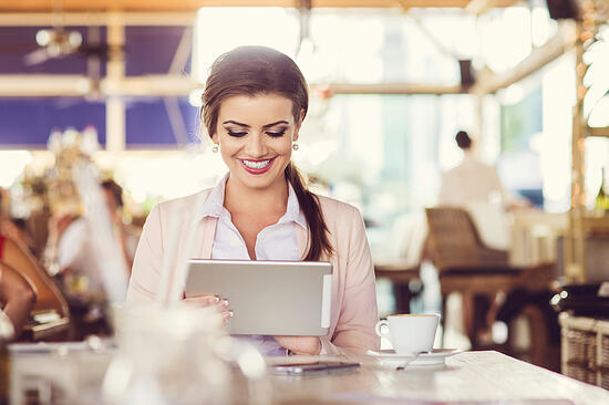 Online-Shopping-Tablet