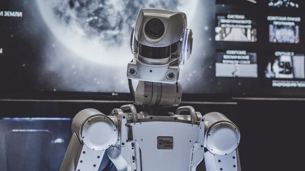 robot-MachineLearning-unsplash