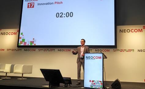 NEOCOM_Albert_presenting