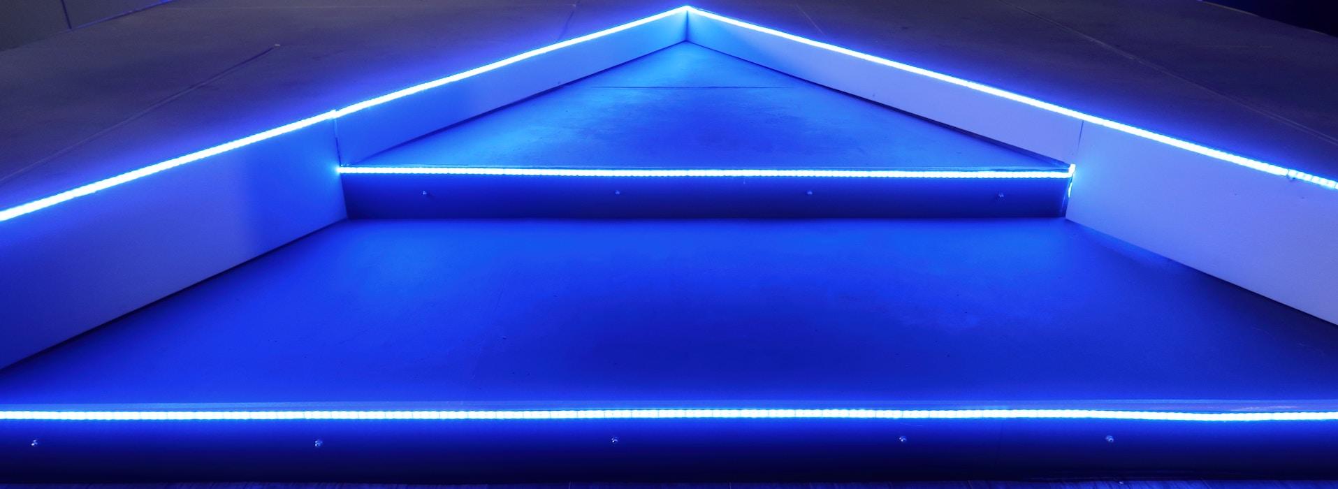 Blue Stairs Data Analytics Trends keyvisual