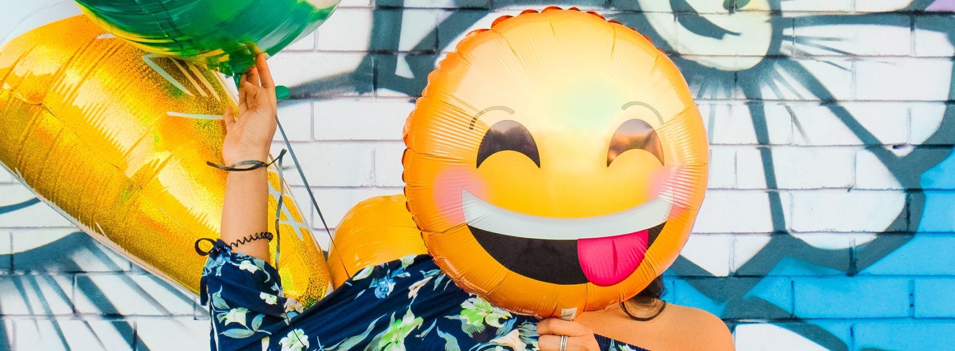 Emoji-Kundenzufriedenheit HEADER