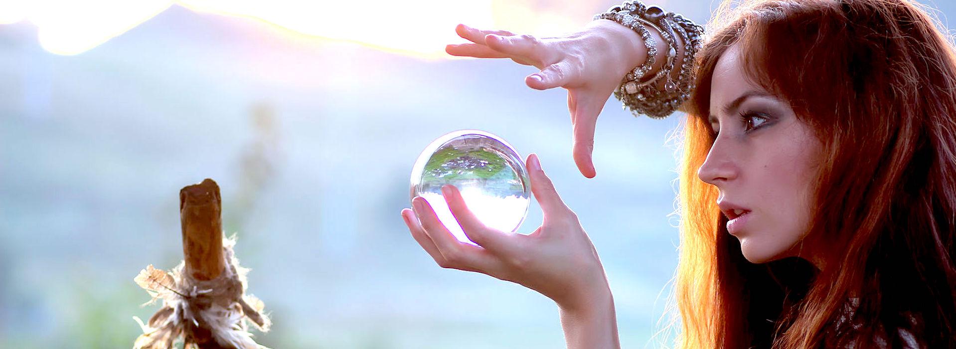 Zukunft-Kristallkugel Kopie